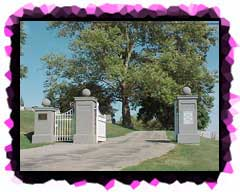 The entrance to Round Hill Cemetery.